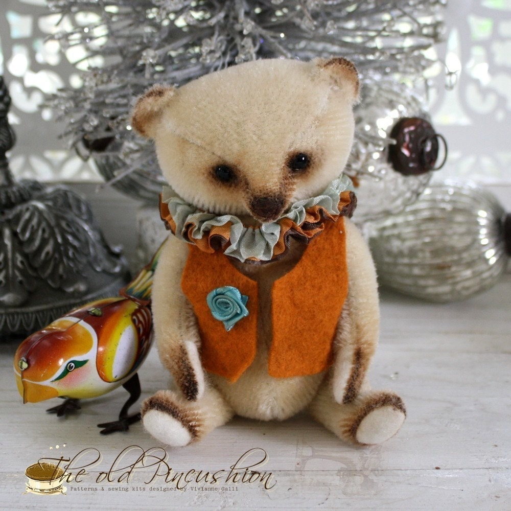Percy in Autumn Cheer, Bear Sewing Mohair kit.