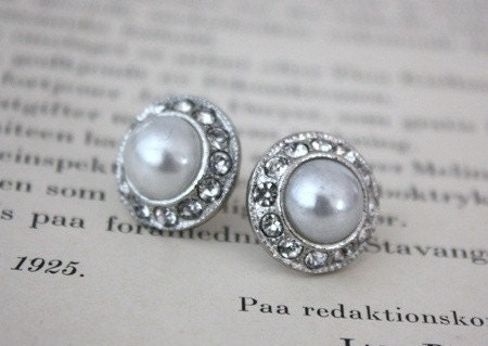 White Pearls and Diamonds Earring