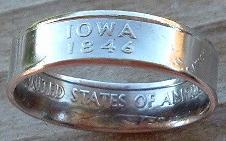 2004 Iowa State Quarter Coin Ring in a size 7 1/2