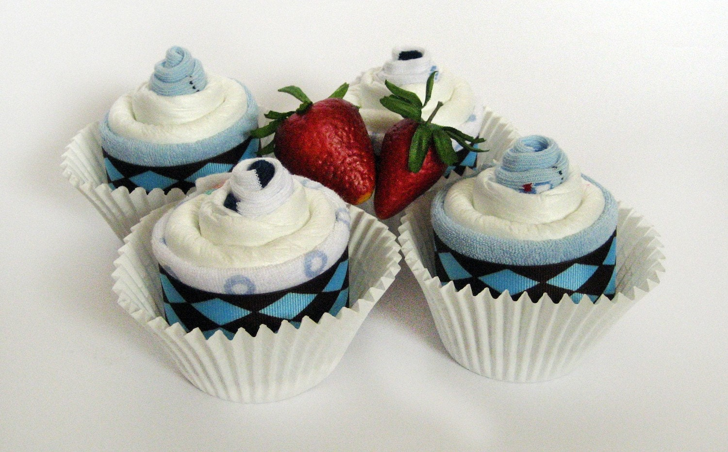 Diaper cupcakes - Baby shower gift - The most UNIQUE gift