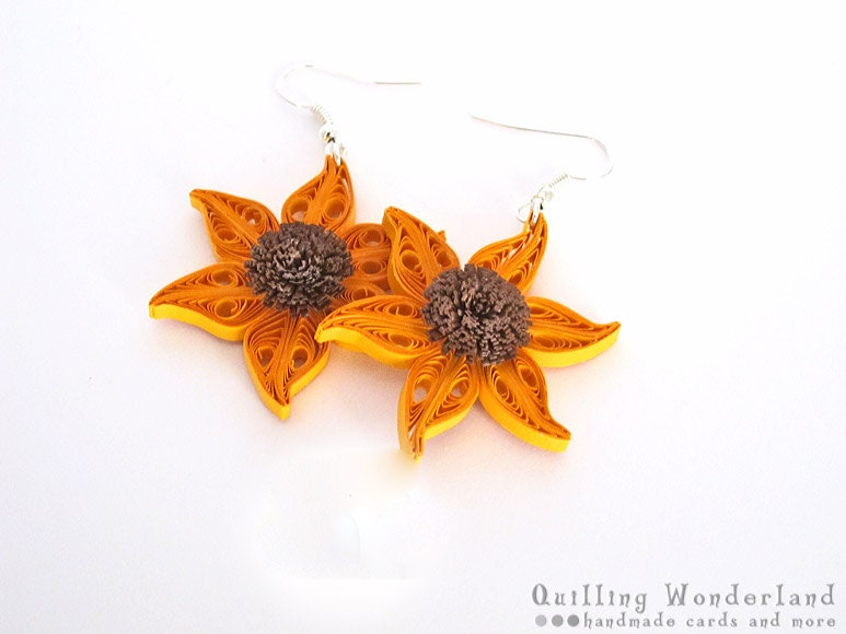 Sunflower Dangle floral quilling earrings floral motif, yellow brown, gift for her under 25 - QuillingWonderland