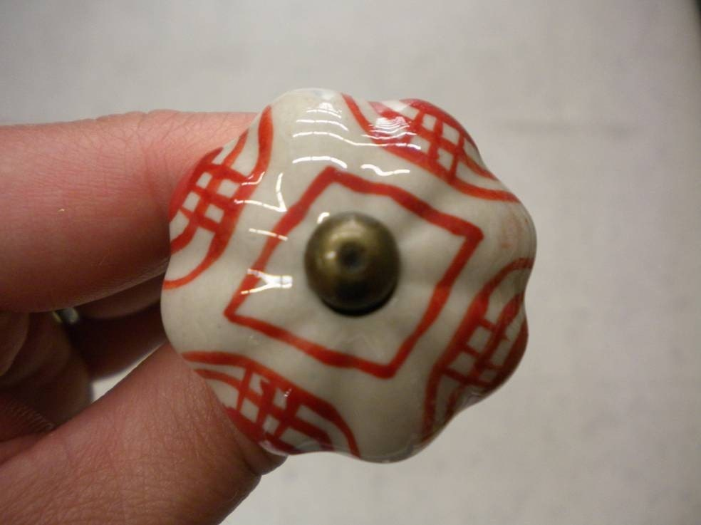 Vintage Inspired Red and White Knob