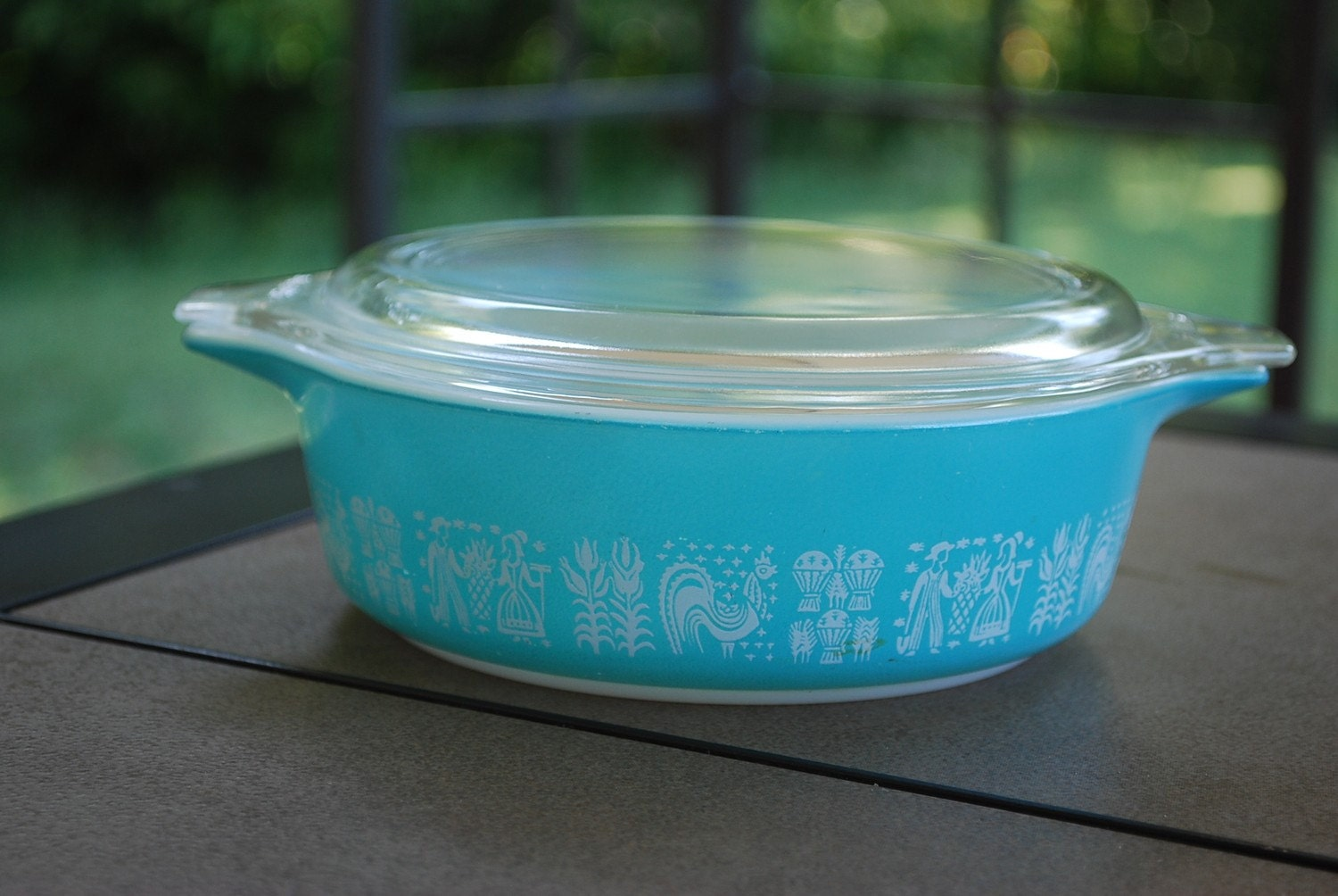 Vintage One Pint Teal Amish Butterprint Pyrex Covered Dish