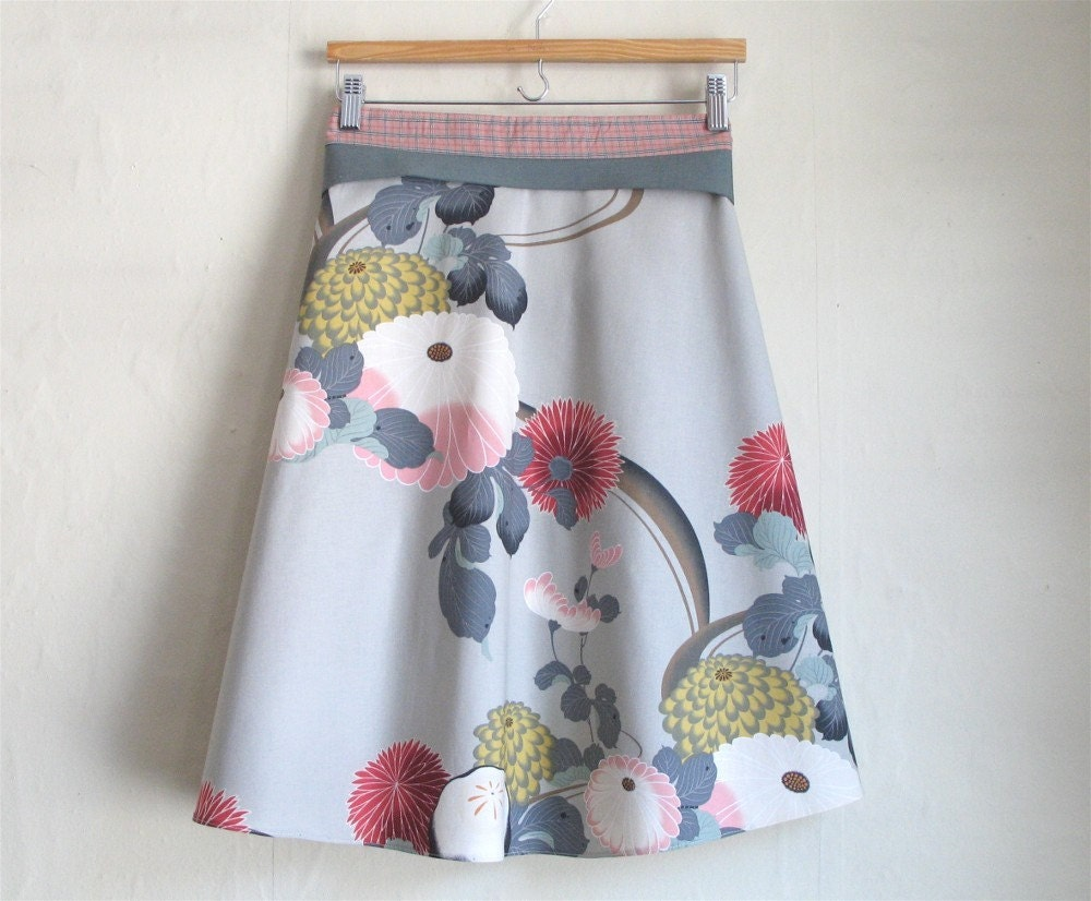 grey kiku skirt with pale salmon sash and bow