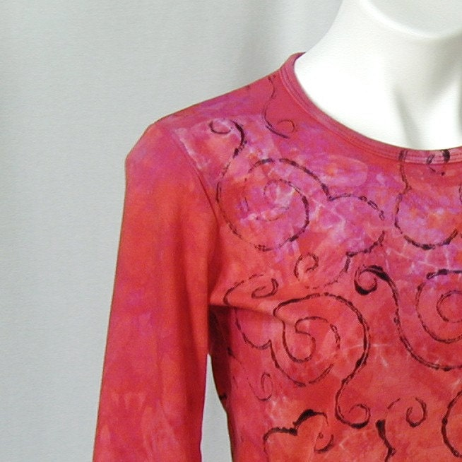 Curlicues Time's Echo Top in Fuchsia, Orange, and Red (extra large - large)