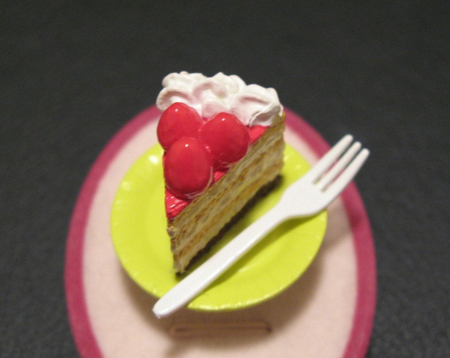 Strawberry Napoleon Cake Ring