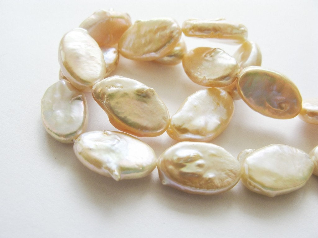 Natural Pearls, Freshwater Pearl, Flat Baroque, Cream, AAA, 17-18mm, Half Strand, 8 Pearls - AAAGems