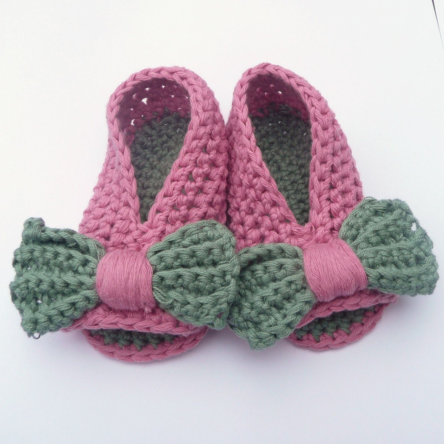 Easy Crochet Patterns For Newborn Booties : Crochet PATTERN BABY Shoes Booties Baby Bow by Keen2Crochet