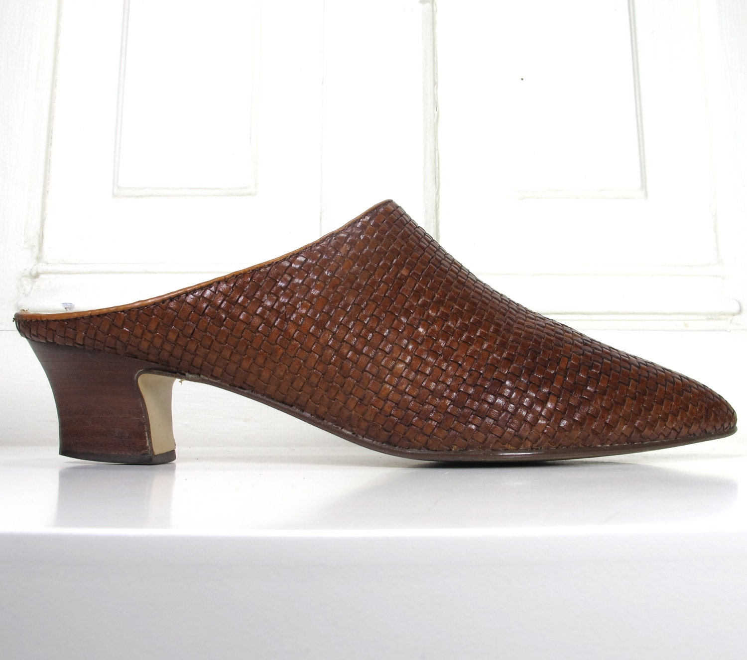 90s woven brown leather shoes slip on by andvintageclothing
