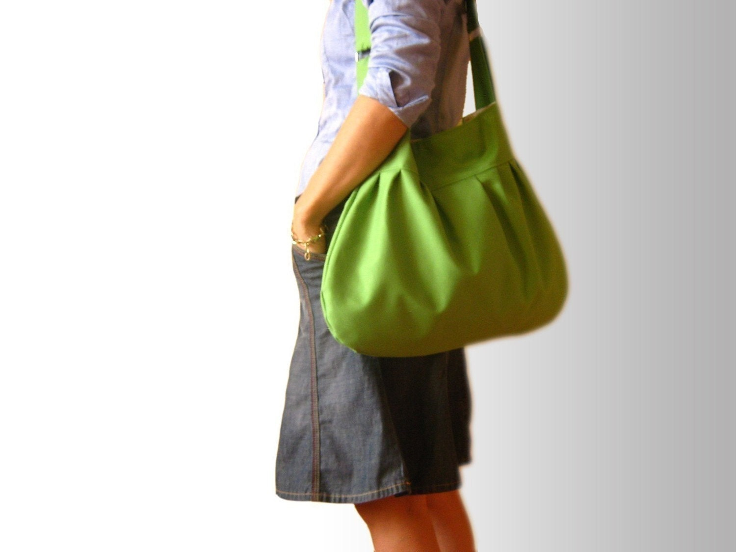 Pretty in Apple Green --everyday purse with ZIPPERED closure--