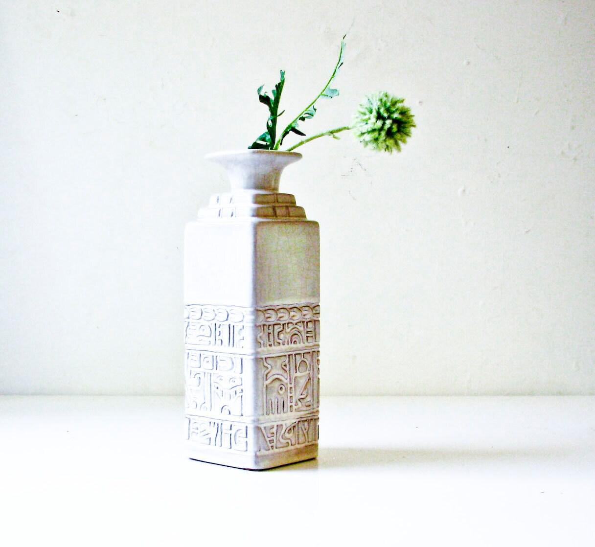 Mid Century Modern White Vase - Frankoma - BeeJayKay