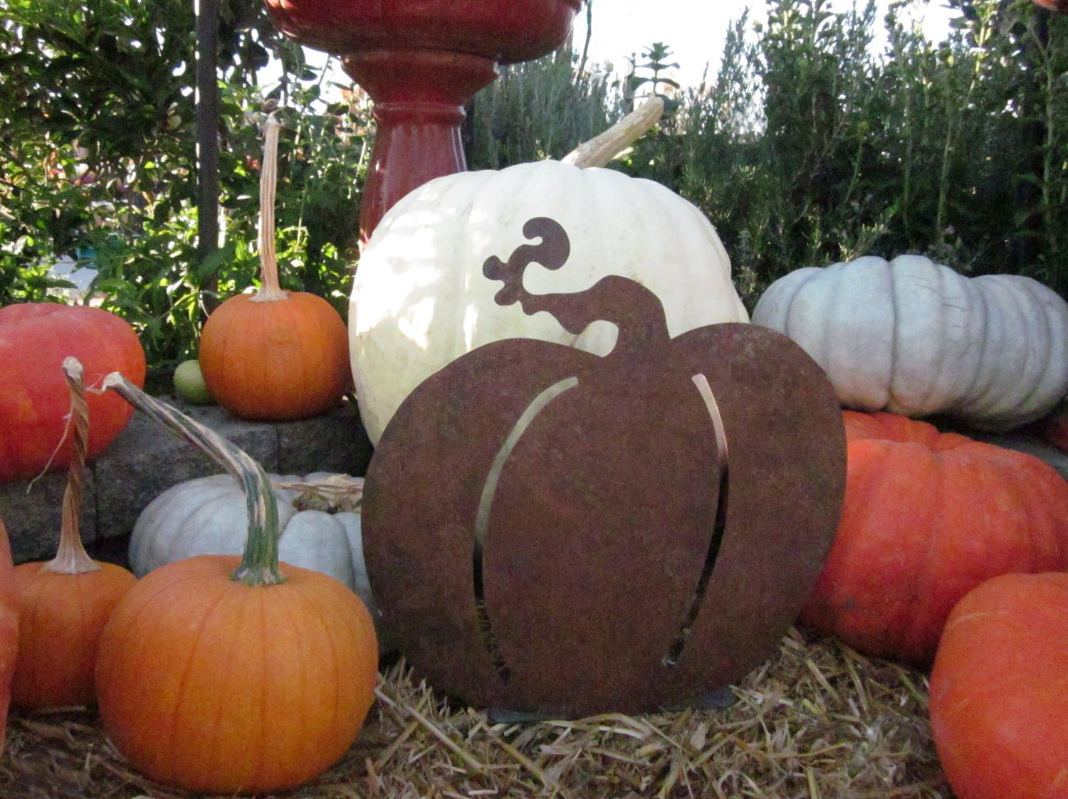 Harvest Table Pumpkin - Rusty Metal Sculpture