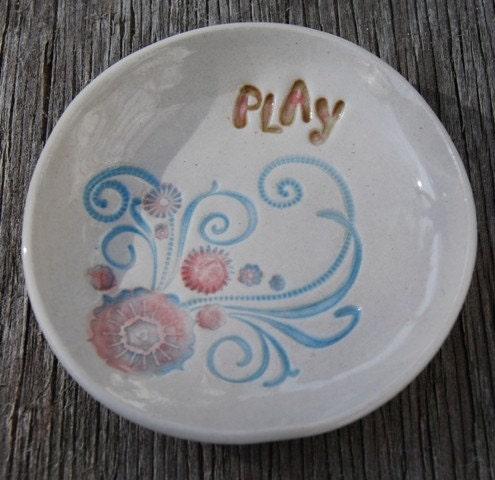 Lil' Dish - Play