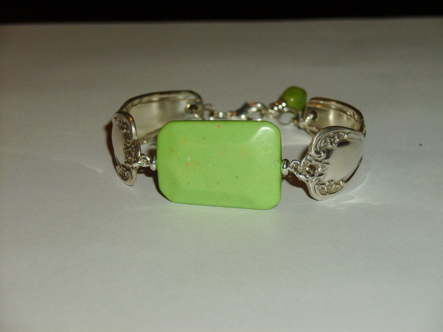 Spoon Bracelet (Elegant Lady 1952) pattern with Apple Green Turquoise