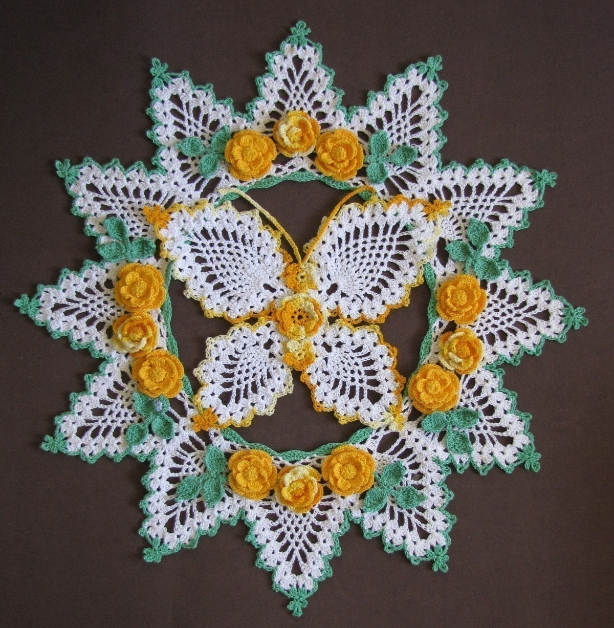 Pineapple tablecloth crochet pattern . - Crafts - Free Craft