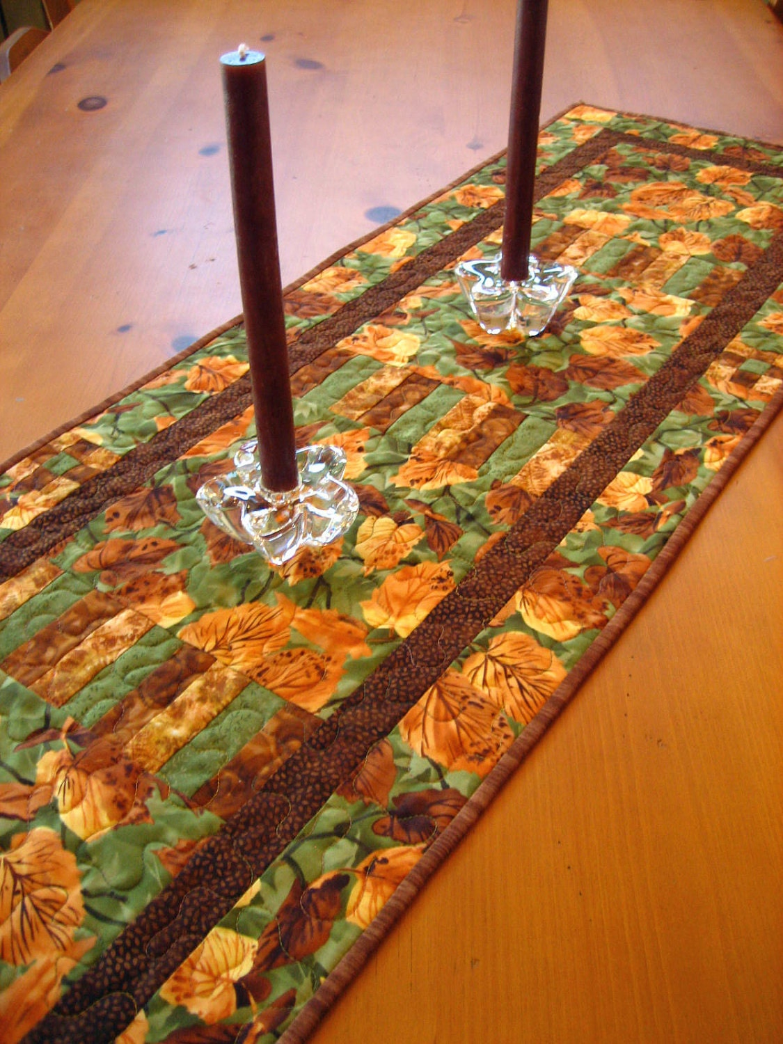 Rustic Leaves Quilted Table Runner
