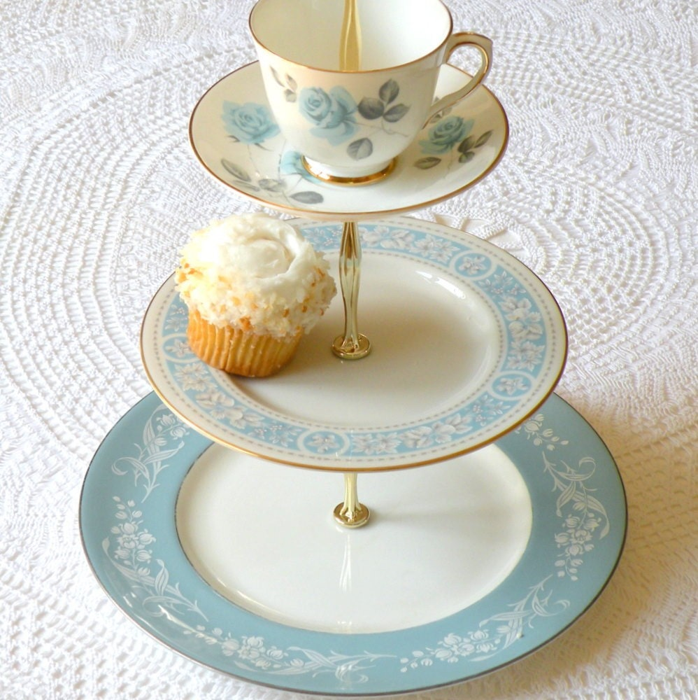 Up In The Clouds Diy Inspiration 3 Tier Cupcake Stand
