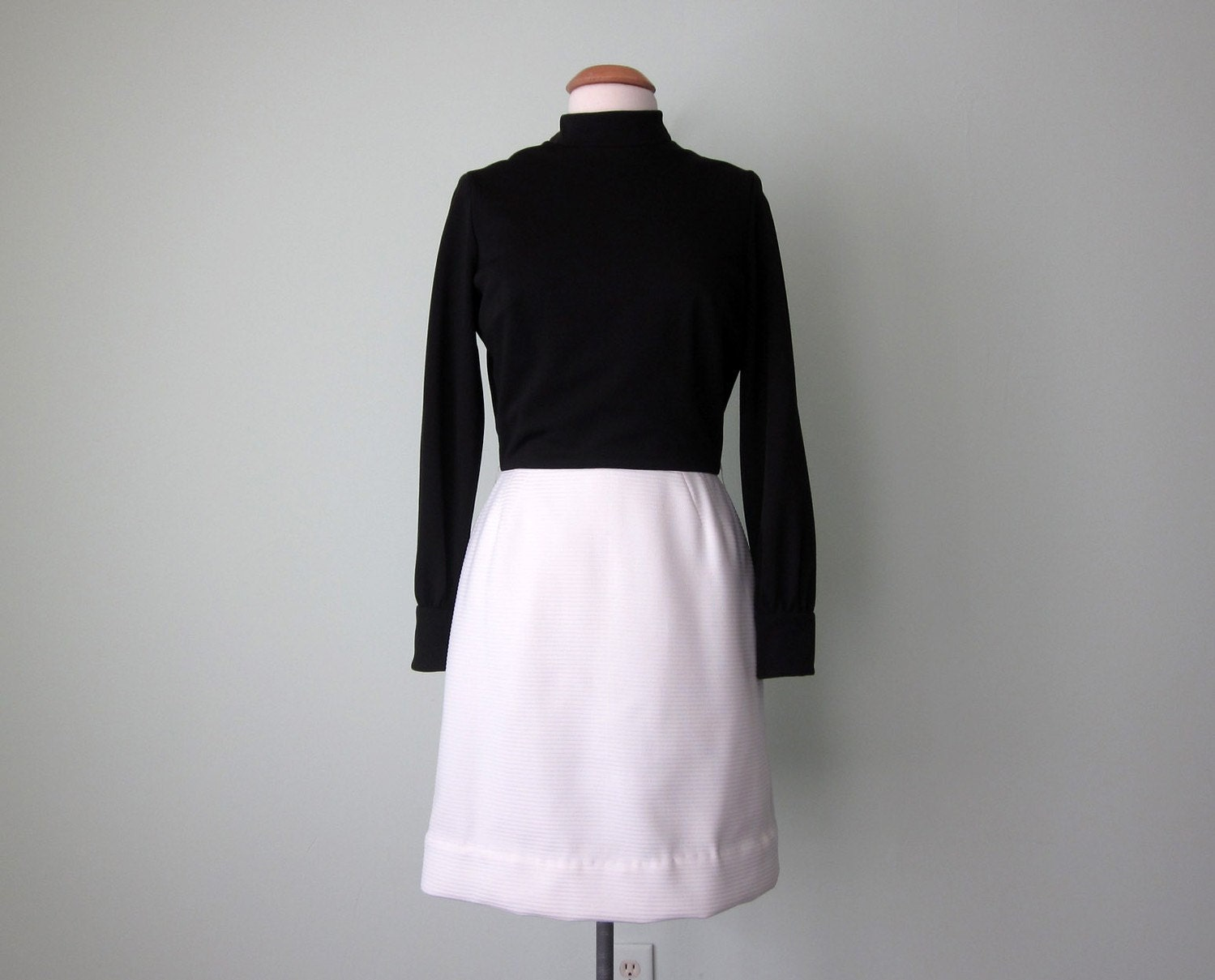 ebony and ivory dress (m - l)