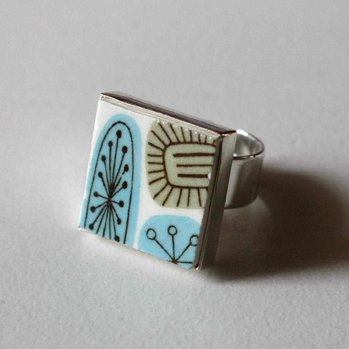 New Square Broken Plate Ring blue and green 50s atomic