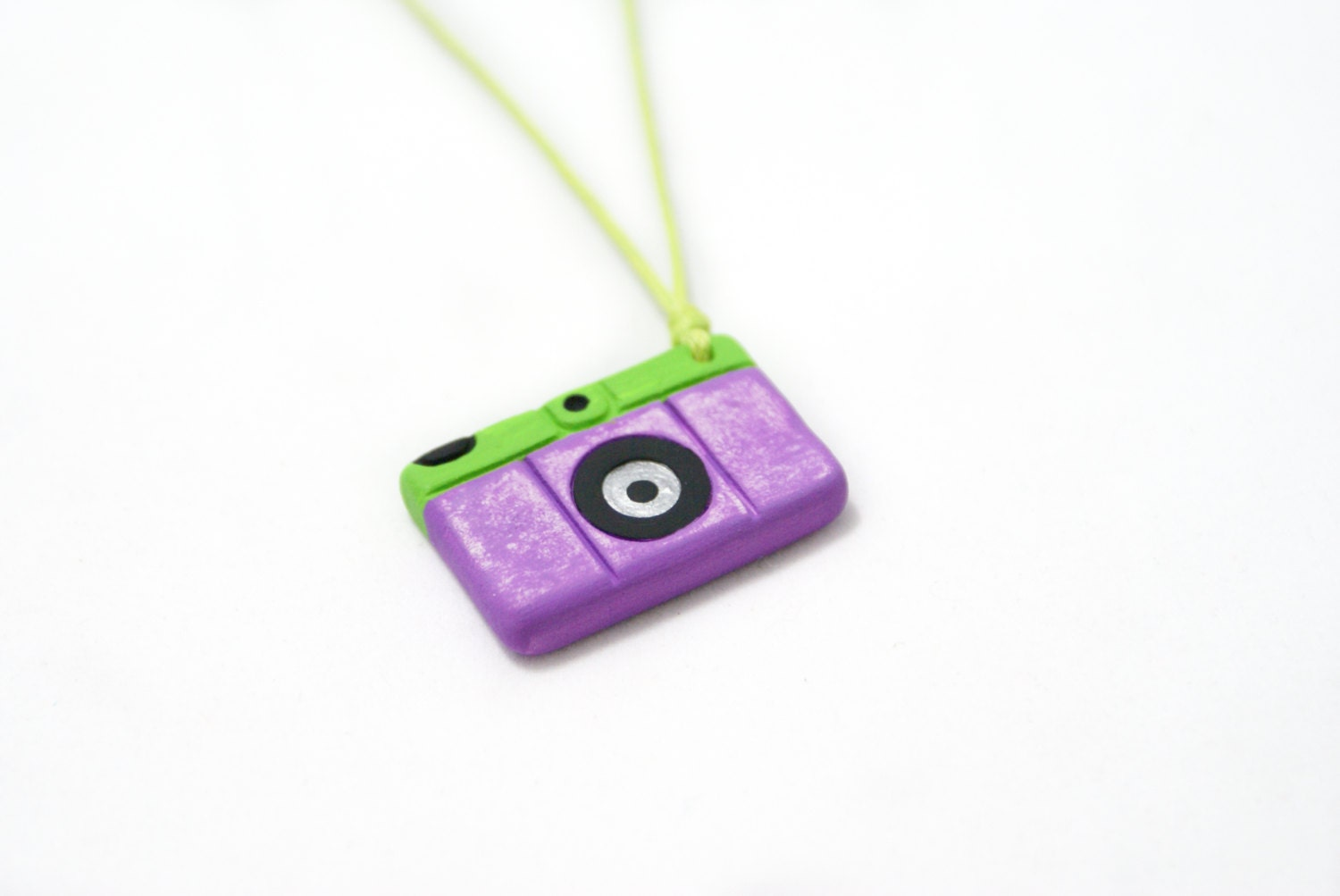 Purple Camera Necklace - SandyArtesanias