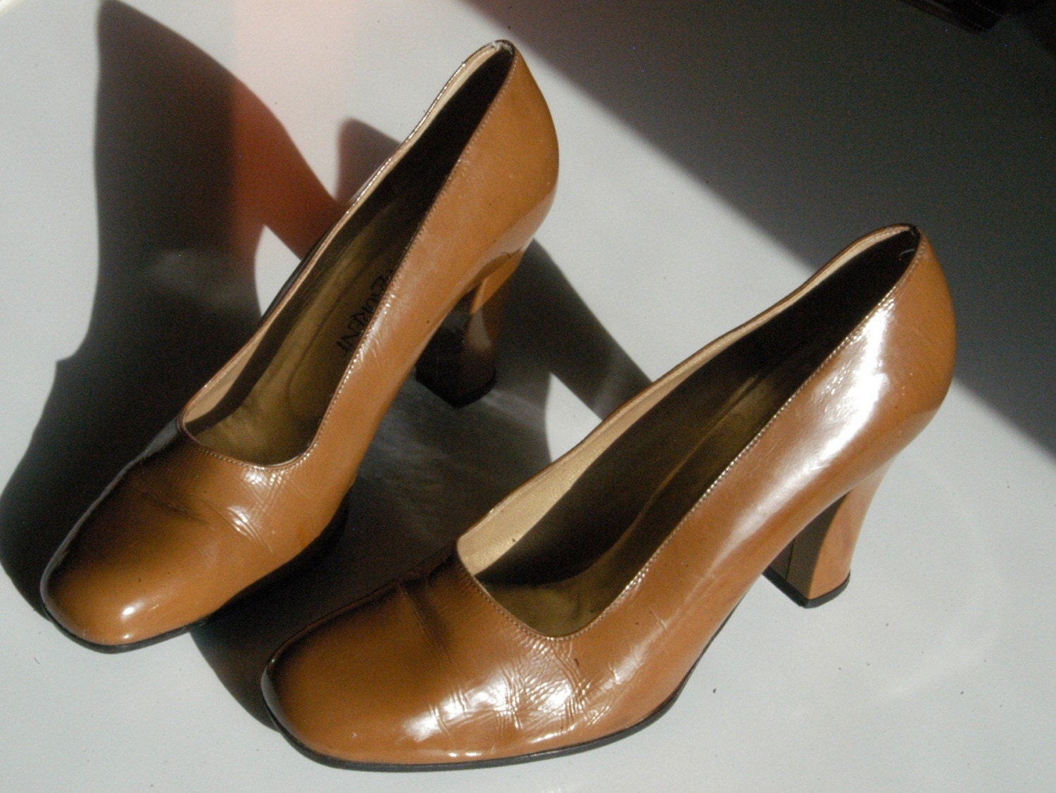 VMTeamHoho Sale SALE Yves Saint Laurent Chunky Brown High Heels