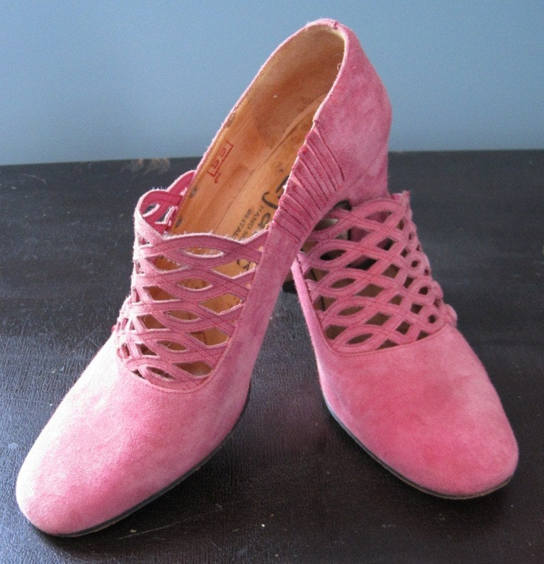 vintage pink suede italian shoes by beautybush on etsy