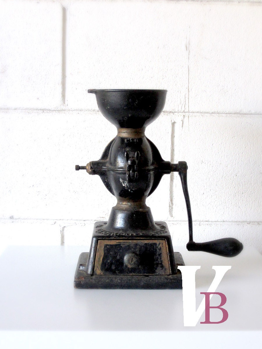 20% Off Sale - Antique Cast Iron Coffee Grinder - Vintage - Coffee Mill - Black - Coffee Lover - Verdibou