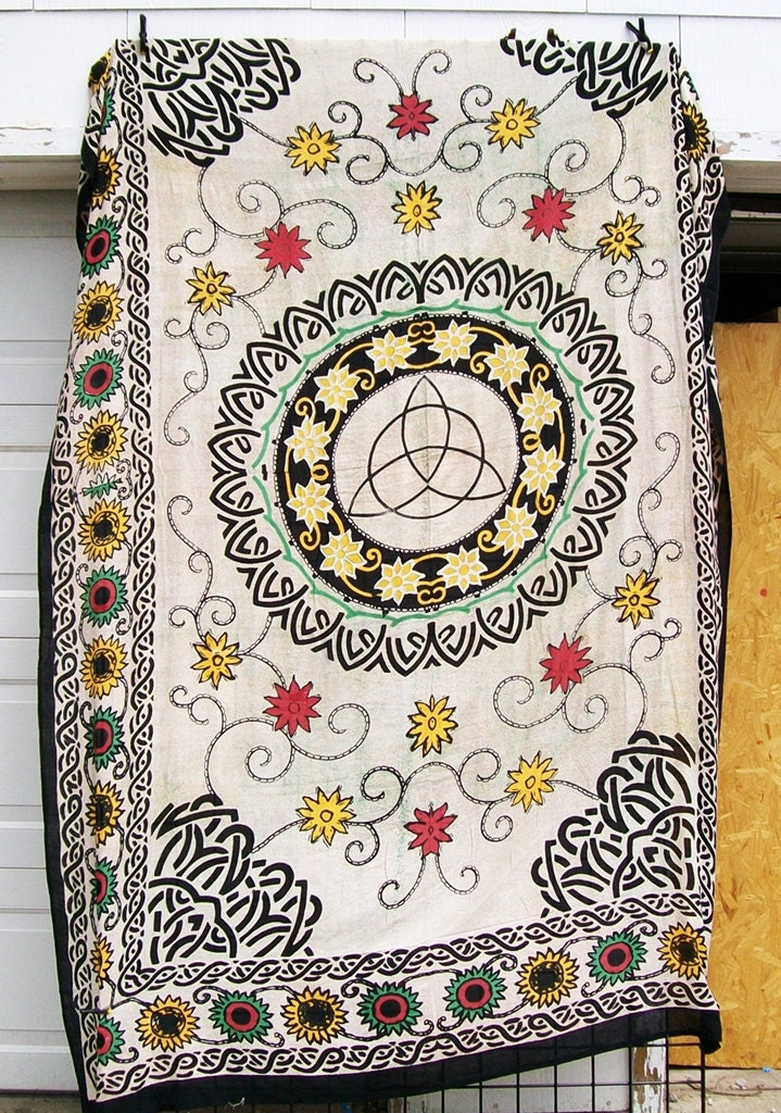 ON SALE Celtic Symbol of Trinity Triquetra Cotton Tapestry Cover