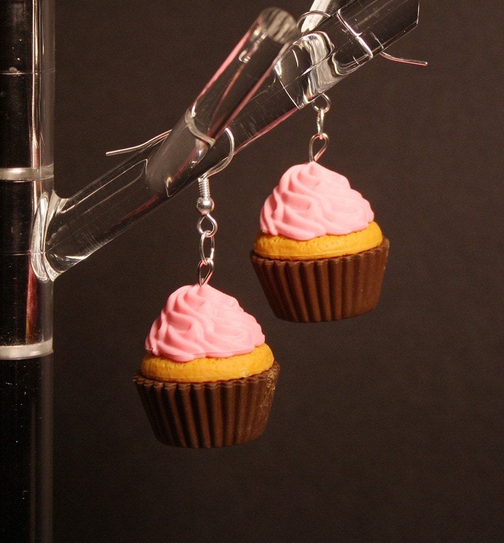 Strawberry Frosted Cupcake earring - Japanese Charm - Mix and Match