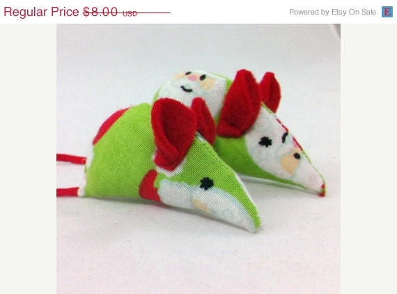 ON SALE Catnip Christmas Mice, Pet Toys: Santa Claus fabric, Red felt Ears, Red Tails, Christmas mice, mother and baby mice - MauveMoose