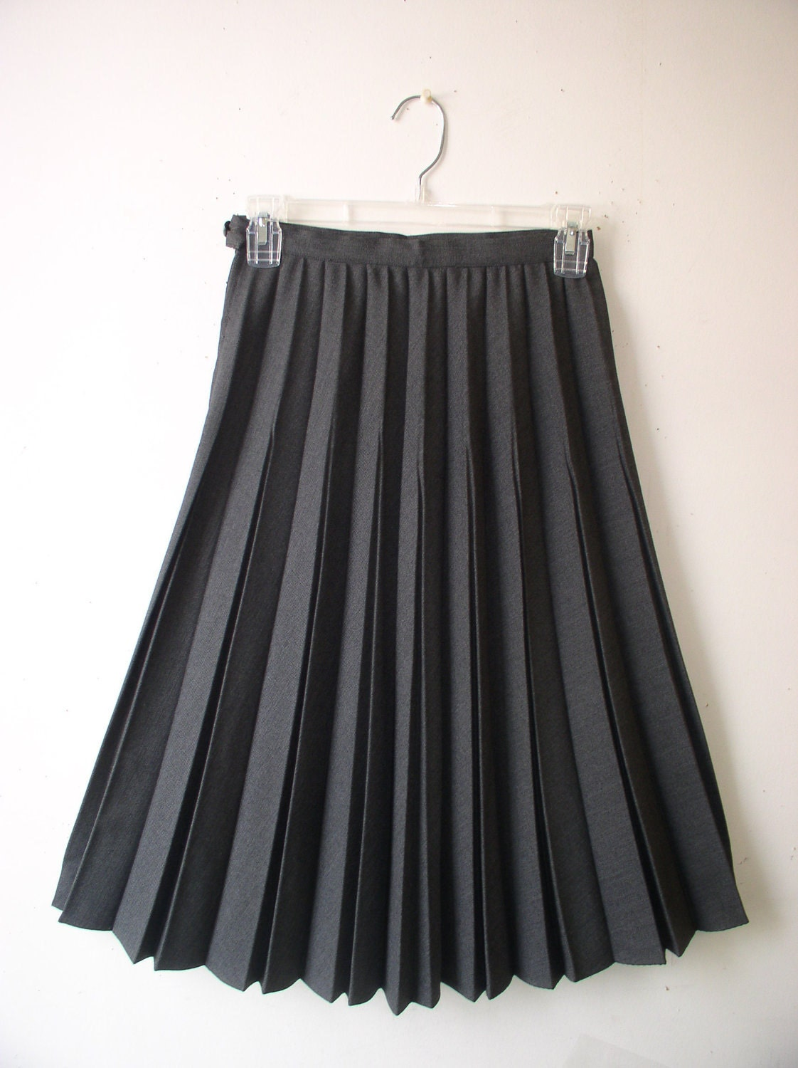 womens skirt 1960s gray pleated skirt by lizziesvintagefinds