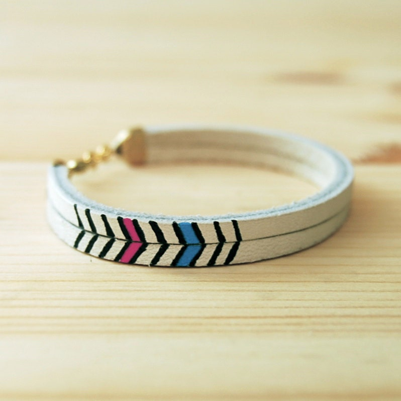Pecos Handpainted Leather Bracelet: White Chevron