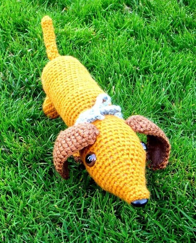 Free Crochet Hot Dog Pattern : Little Hot Dog / Dachshund / Wiener dog / Sausage dog by ...