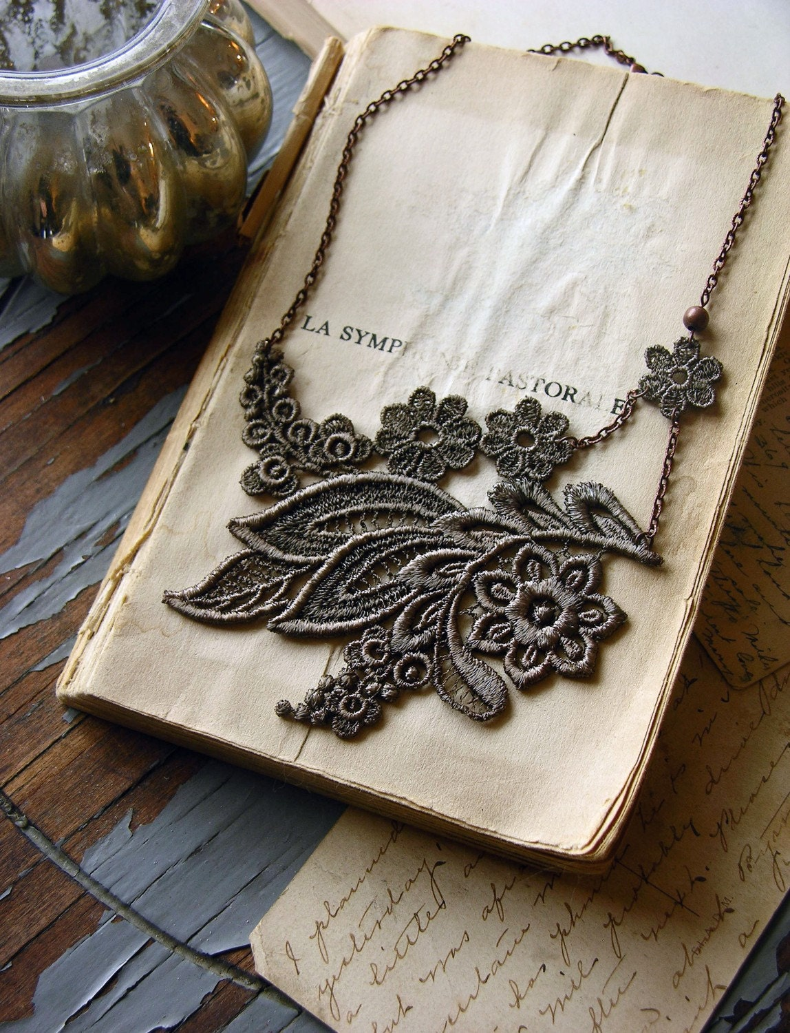 jovana lace necklace