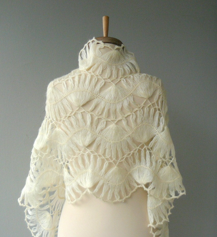 UNIQUE CREAM BRIDAL FAN DESIGN MOHAIR SHAWL - LUXURY ELEGANT - CAN ORDER 49 DIFFERENT COLORS