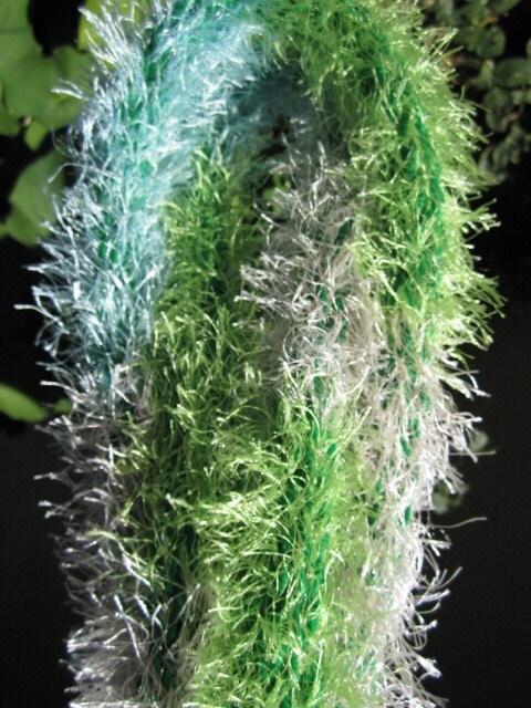 Fuzzy scarf (green,multicolored)