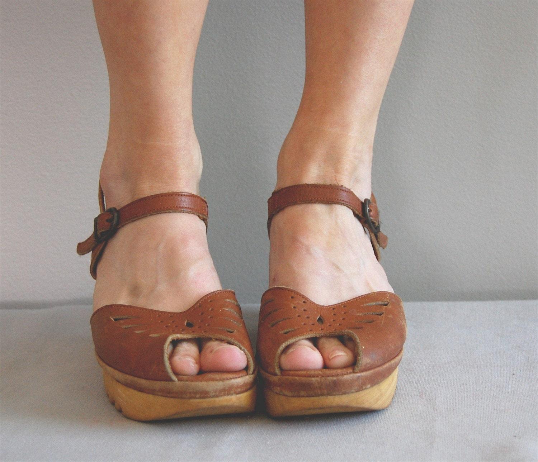 Vintage Brown Sugar 70s Platform Sandals By Deargolden On Etsy