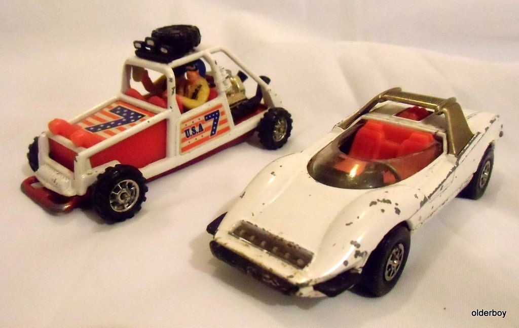Vintage Corgi Toys Set Alfa Romeo P33 Pininfarina and U.S. Racing Buggy D00