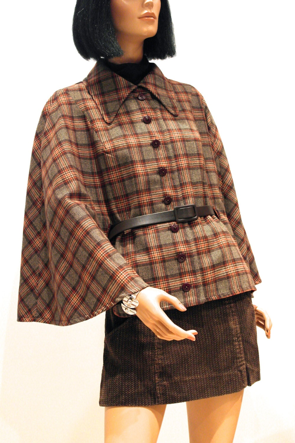 Vtg 60s MOD cape // large collar // button and belt front // orange and brown Prince of Wales check - VicAndBertieVintage