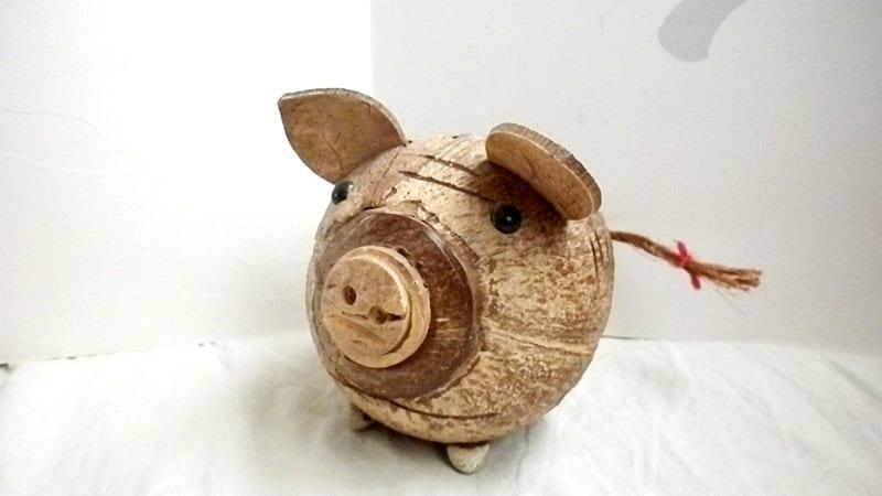 Beautiful coconut piggy bank - UnnaVintage