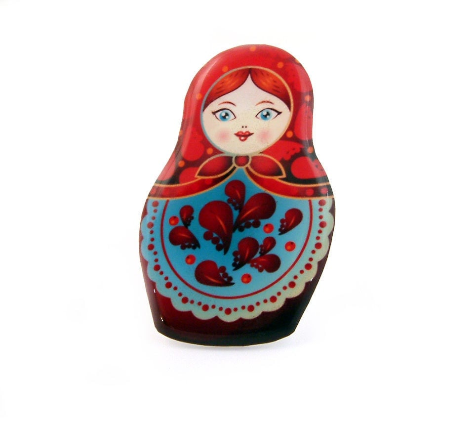 Russian Doll Matryoshka Badge Brooch Pin Red Blue - Jackdaw