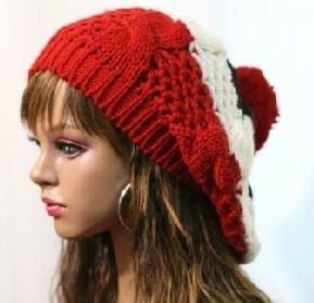 دست گرمی knitted قرمز سفید و سیاه و سفید چند رنگ یکنوع عرقچین کوچک کهمحصلین برسر میگذارند کلاه پشمی