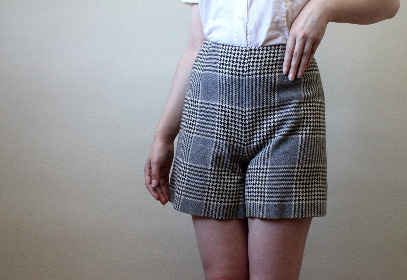 high waisted houndstooth shorts