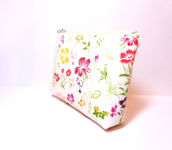 Small Zipper Pouch Small Wallet Cosmetic Pouch  Spring Flowers - handjstarcreations