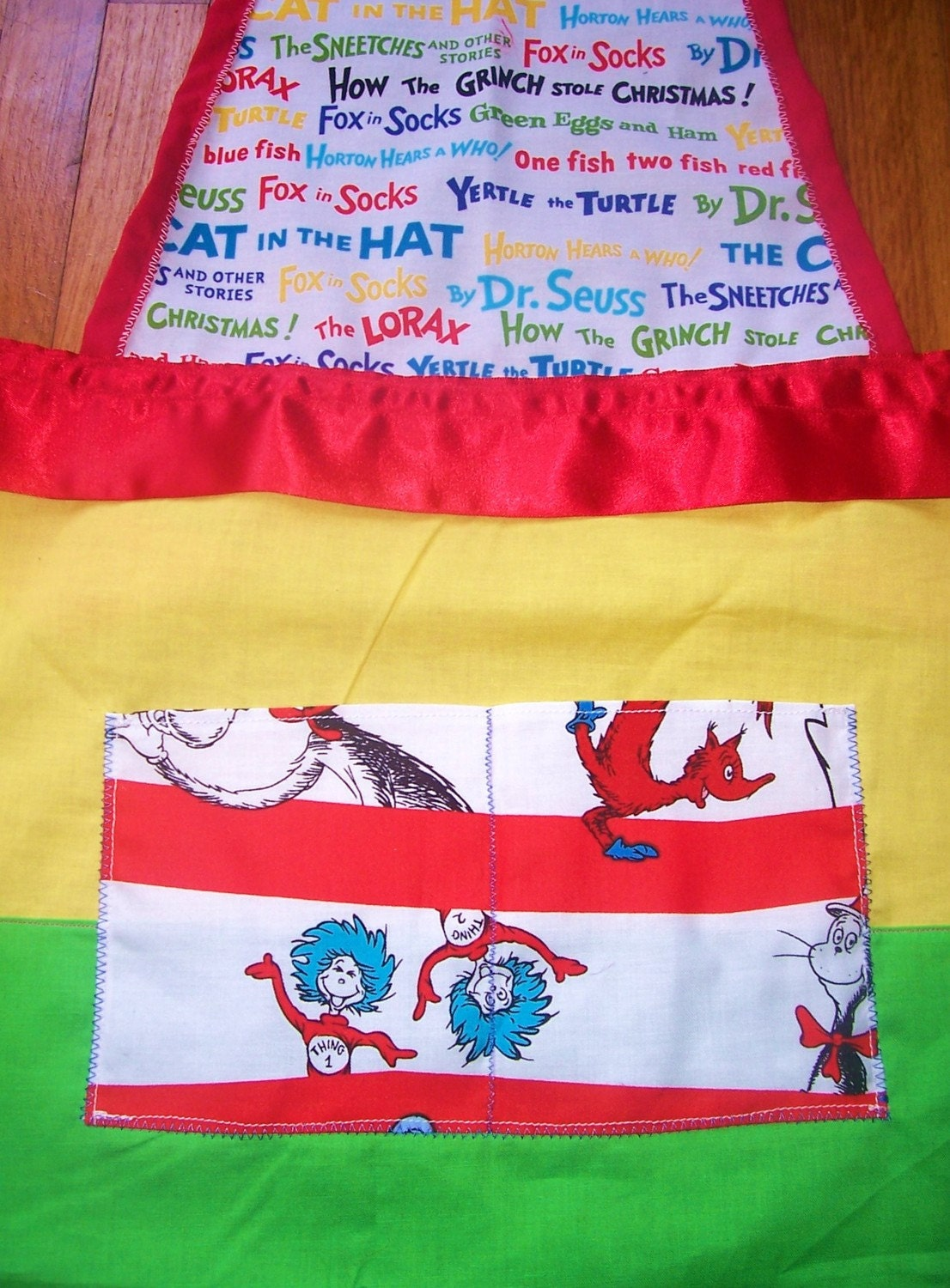 FREE SHIP US Child age 5/6/7 year old Dr Seuss Lace and Satin Trim Apron