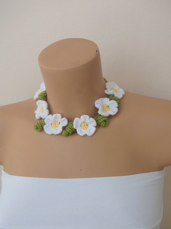 Daisy crochet  Necklace-headband-For adults or babys