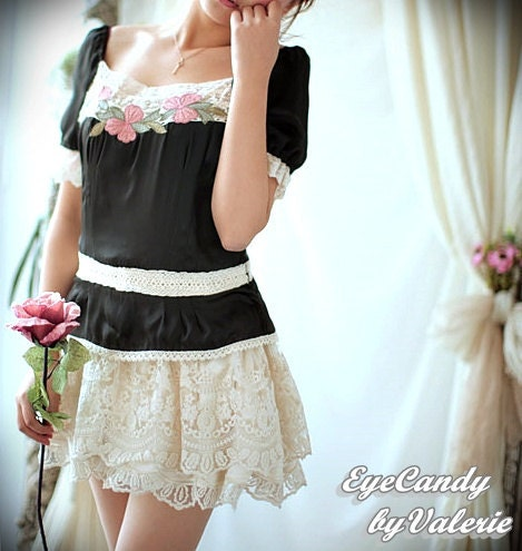 Lolita....Black Corset style floral embroidery lace blouse