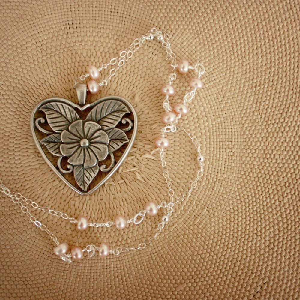 Silver Heart Pink Pearl Necklace