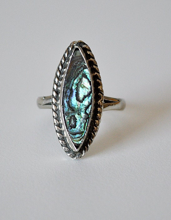 Vintage Sterling Silver and Abalone Ring Mexico