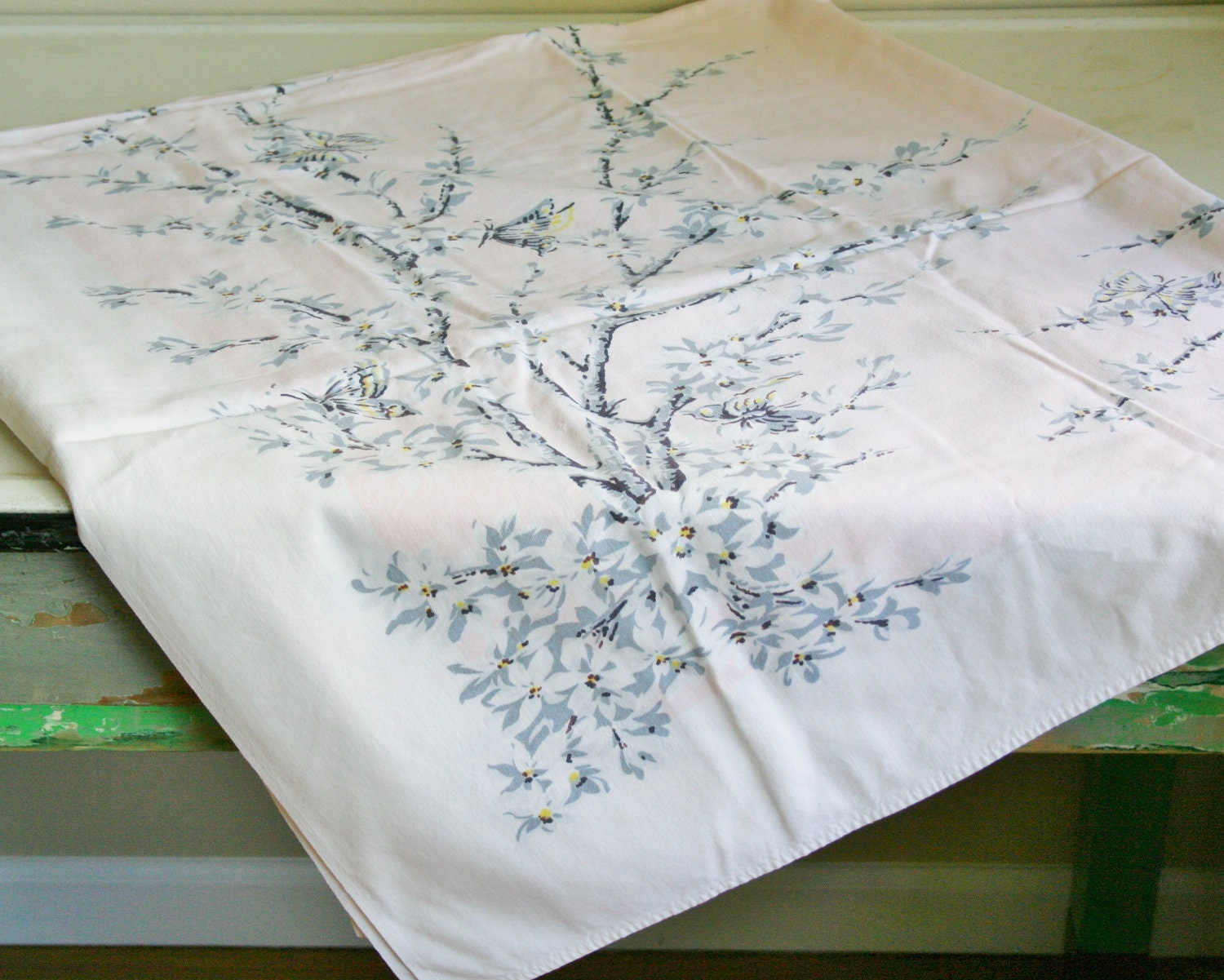 Vintage Tablecloth - tracinicole